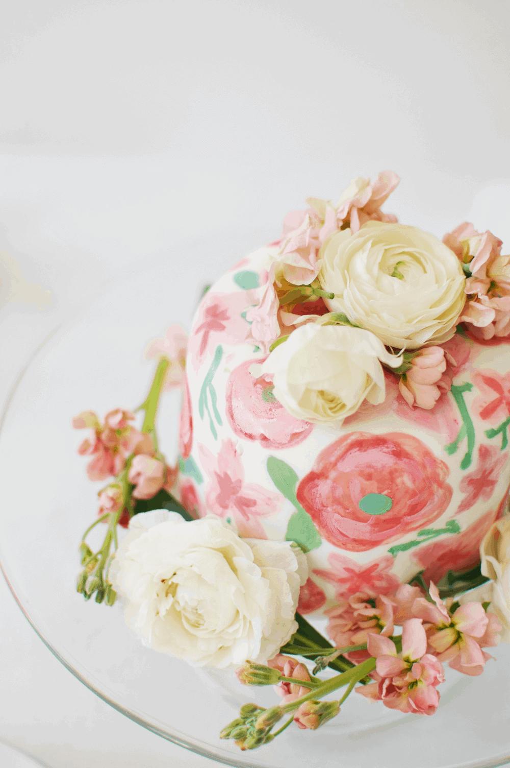 Fresh Floral Fondant Cake | Floral Fondant Cake, Fondant Cake Tutorial, Floral Fondant Tutorial, Floral Fondant Cake Guide, Easy Floral Fondant Cake #floralfondant #floralfondantguide #floralfondanttutorial || The Butter Half via @thebutterhalf