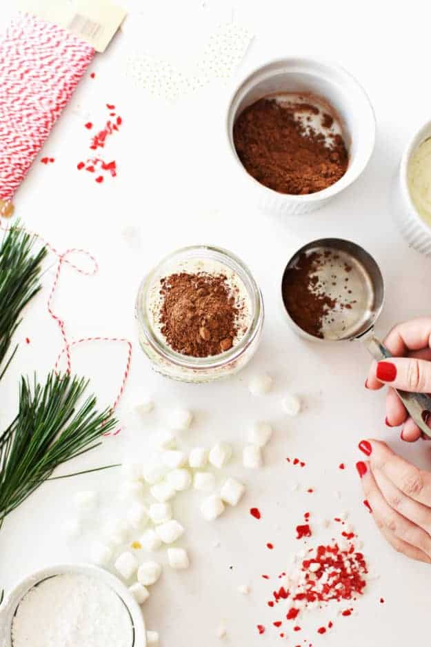 Make This Hot Chocolate in a Jar Recipe | homemade christmas gifts, handmade gift ideas, jar gift ideas, hot chocolate recipe ideas, holiday gift ideas || The Butter Half via @thebutterhalf #hotchocolate #giftideas #holidaygifts #handmadegifts