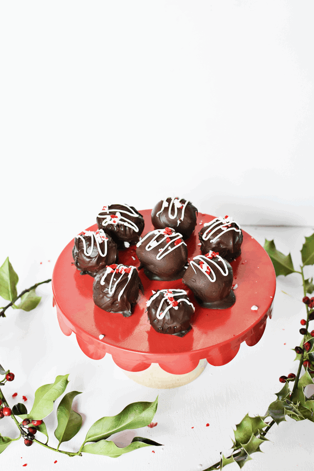 Vegan Peppermint Truffles | peppermint dessert recipes, homemade truffles, how to make chocolate truffles, chocolate truffle recipes, holiday treats, christmas desserts, peppermint flavored desserts || The Butter Half via @thebutterhalf #truffles #peppermintrecipes #holidaydessert
