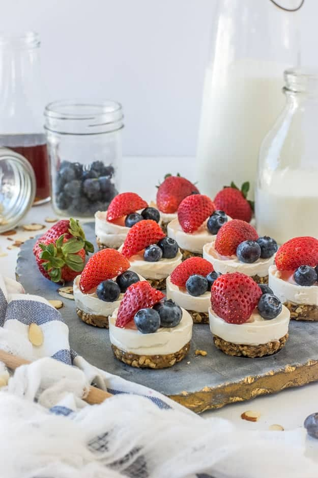 Simple 4-Ingredient No-Bake Mini Cheesecakes (Gluten-Free)