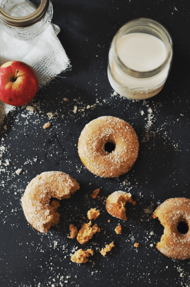 Baked Apple Cider Donuts | this apple cider donut recipe is a close second to making all of your fall baking dreams come true. You might even say it's the apple of your eye, because I believe that food brings out the raw, true emotions in people. || The Butter Half #donutrecipes #fallrecipes #appleciderrecipes #thebutterhalf