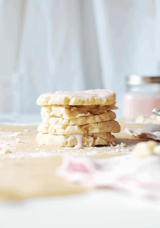 The Best Copycat Swig Sugar Cookies | More often than not, I get a hankering for one of the life-changing Swig sugar cookies. Fortunately for all parties involved, these Swig sugar cookies are a bonafide copycat—the look, the taste, the feel. || The Butter Half #swigcookies #copycatrecipe #cookierecipe #thebutterhalf