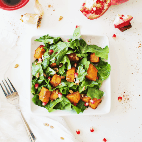 Roasted Butternut Squash Salad With Maple Vinaigrette | healthy salad recipes, homemade vinaigrette recipe, homemade salad dressings, butternut squash recipes, fall salad recipes, easy salad recipes, recipes using butternut squash, fall squash recipes || The Butter Half via @thebutterhalf