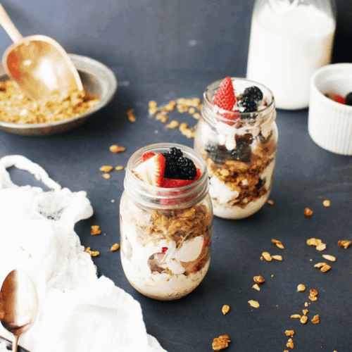 Greek Yogurt Parfaits with Homemade Granola | how to make a yogurt parfait, yogurt parfait recipe, homemade greek yogurt recipes, homemade parfait recipes, homemade granola recipe, how to make a parfait, how to make homemade granola, healthy breakfast recipes, breakfast recipes healthy, easy breakfast recipes, breakfast recipes using granola || The Butter Half via @thebutterhalf