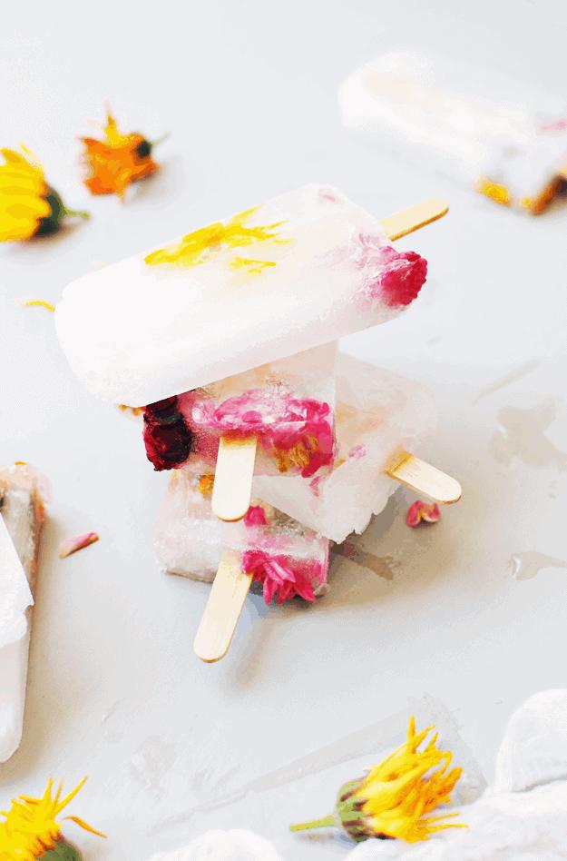 Lemon Lime Flower Popsicles | popsicle recipes | cold dessert recipes | homemade popsicle recipes | how to make popsicles | popsicle recipe ideas | dessert recipe ideas for summer | ice cream recipes | homemade summer recipes #popsiclerecipes #icecreamrecipes #homemadepopsicles #thebutterhalf || The Butter Half