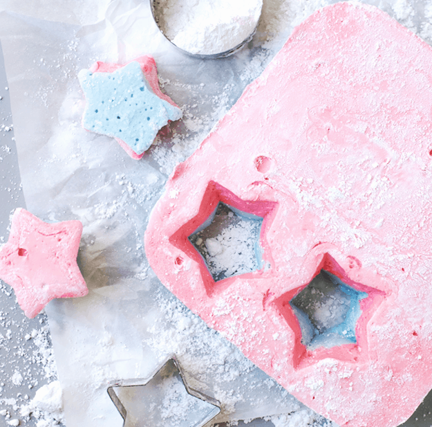 Homemade Marshmallows for 4th of July S'mores | Make your s'mores patriotic with these homemade red, white, and blue marshmallows! | 4th of July recipe ideas | 4th of July dessert recipes | fourth of July desserts | fourth of July recipes | fun s'mores recipes | s'mores recipe ideas | homemade s'mores recipes | homemade marshmallow recipes | how to make homemade marshmallows | patriotic recipe ideas | fun recipes for kids | unicorn s'mores | family friendly recipes || The Butter Half