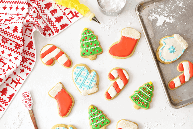 how to make holiday sugar cookies with royal icing