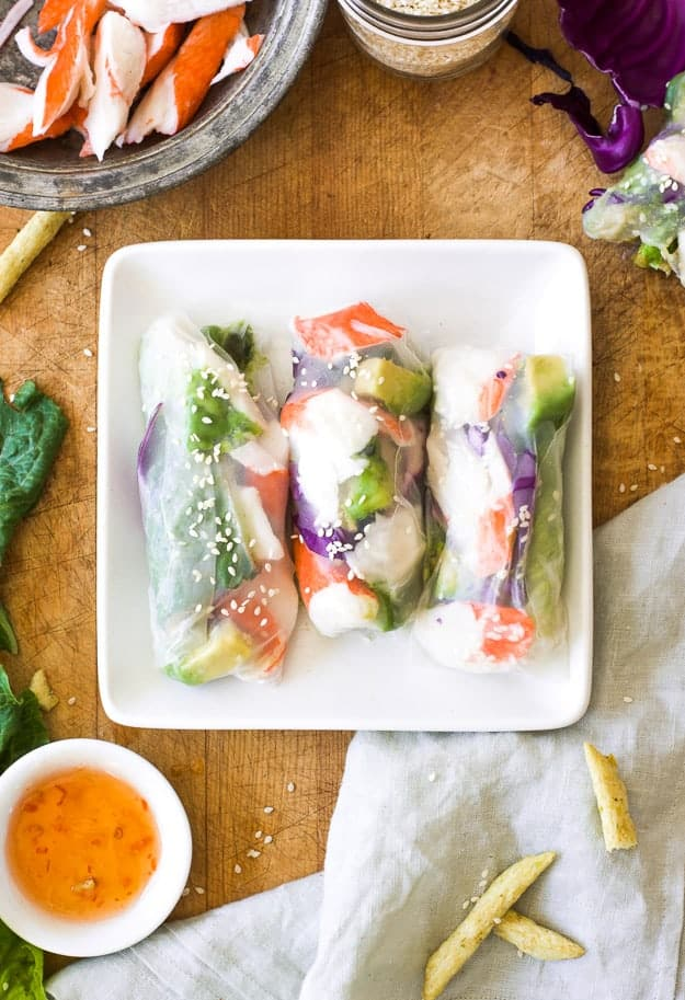 How to Make Amazingly Fresh California Sushi Spring Rolls | how to make sushi, fresh lunch ideas, healthy lunch ideas, easy, lunch ideas, how to make spring rolls, sushi, spring rolls, low calorie meals | The Butter Half