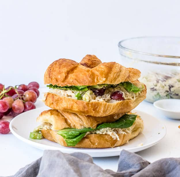 Easy and Healthy Chicken Salad Sandwich Recipe | chicken salad sandwich no mayo, chicken salad with grapes, healthy lunch ideas, quick lunch ideas, how to make chicken salad, easy lunch ideas for work, easy lunch ideas, no cook meals, summer recipes dinner, harvest snaps | The Butter Half