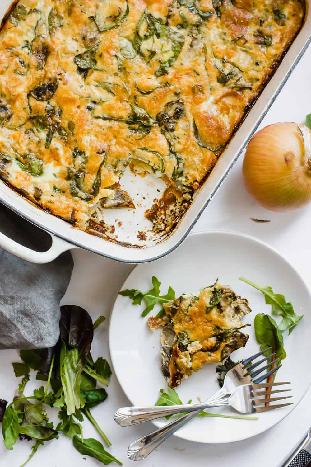 Easy Baked Frittata Recipe with Spinach (Gluten-Free) | vegetarian breakfast recipes, gluten free breakfast recipes, healthy baked frittata, healthy breakfast recipes || The Butter Half #bakedfrittata #vegetarianbreakfast #glutenfreebreakfast #thebutterhalf