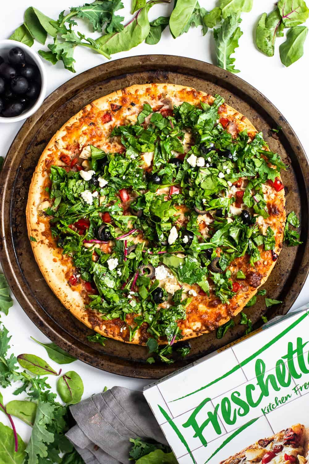 Easy Spinach and Tuscan Chicken Chopped Salad Pizza (Gluten Free) | Gluten Free Pizza, Salad Pizza, Easy Spinach Recipes, Pizza Recipes, Freschetta Pizza Recipes #glutenfreepizzarecipe #saladpizza #thebutterhalf || The Butter Half