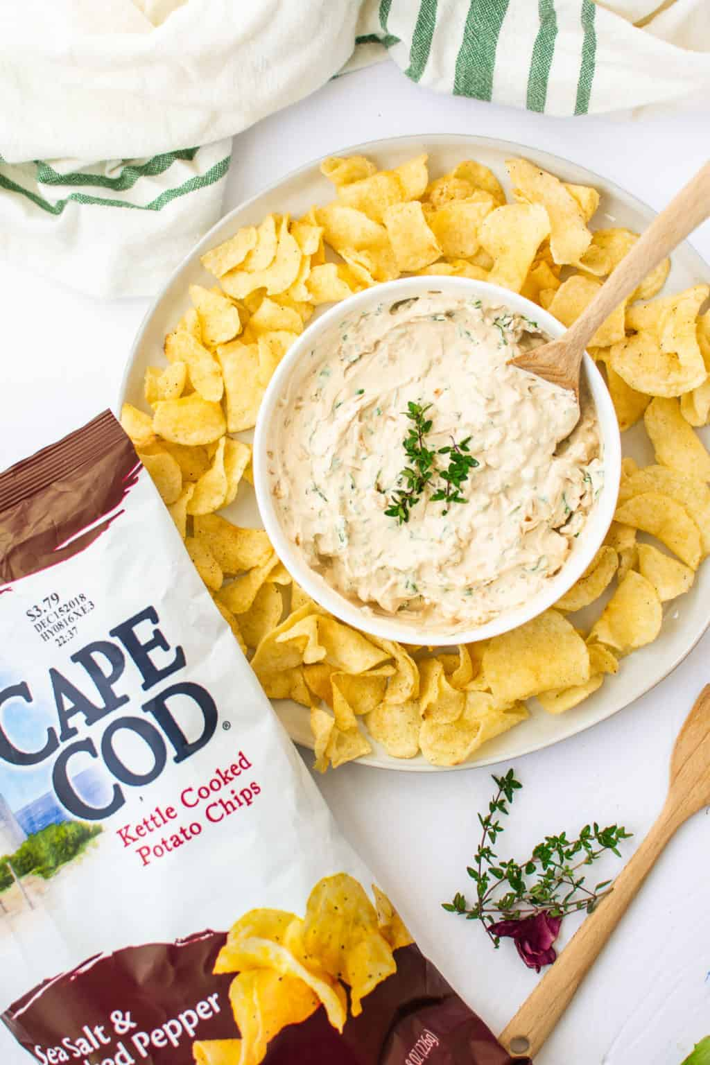 High in protein, gluten free, and only 2 ingredients, this Easy + Healthy French Onion Dip is the perfect appetizer. || The Butter Half #appetizerrecipes #easyappetizer #frenchoniondip