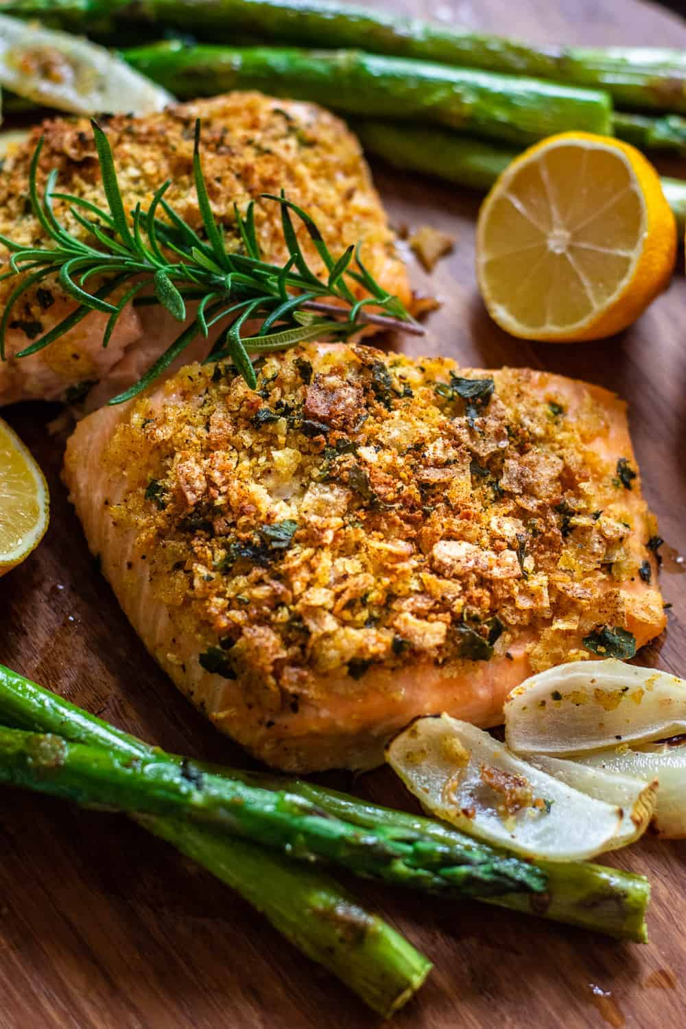 Best One Pan Baked Salmon Recipe with Herb Crust (Gluten Free) | One Pan Dinners | Quick Dinner Recipes | Easy Dinner Recipes | Healthy Dinner Recipes | Easy Salmon Dinner Recipes | Baked Salmon Recipe | Gluten Free Dinner Recipe || The Butter Half #glutenfree #easydinner #thebutterhalf